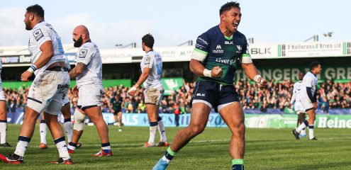Bundee Aki signs three year contract extension to remain at Connacht up to 2023